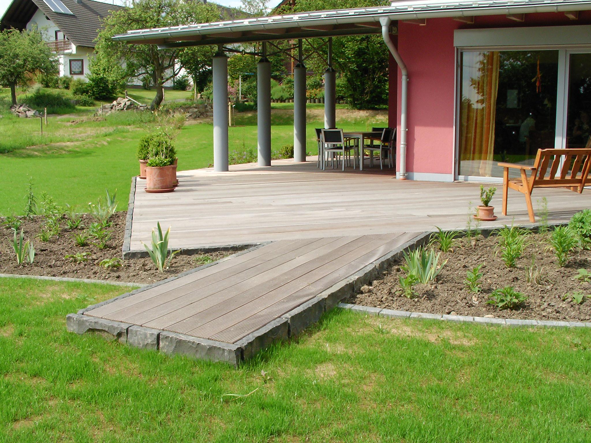 Holz im Garten « Fuchs Garten- und Landschaftsbau